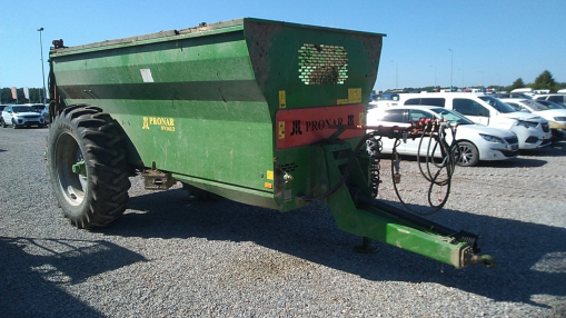 PRONAR NV161/2 MANURE SPREADER